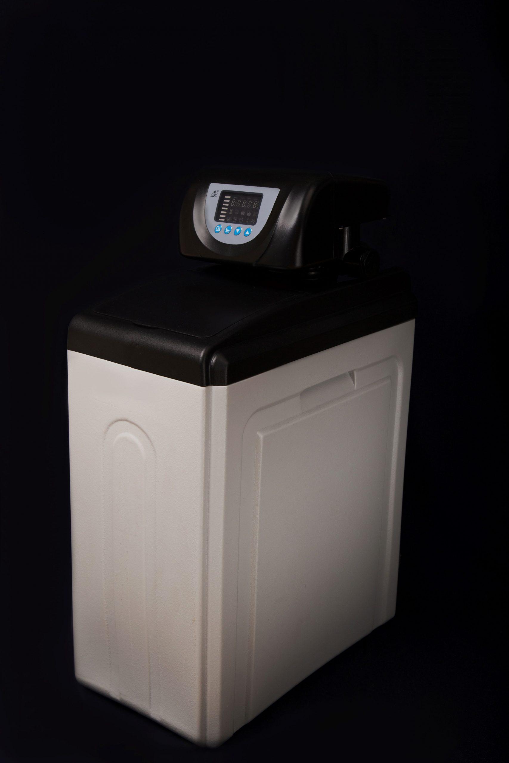 Умягчитель воды c автоматическим управлением FCV-11-15 (T) (1000 литр/час)