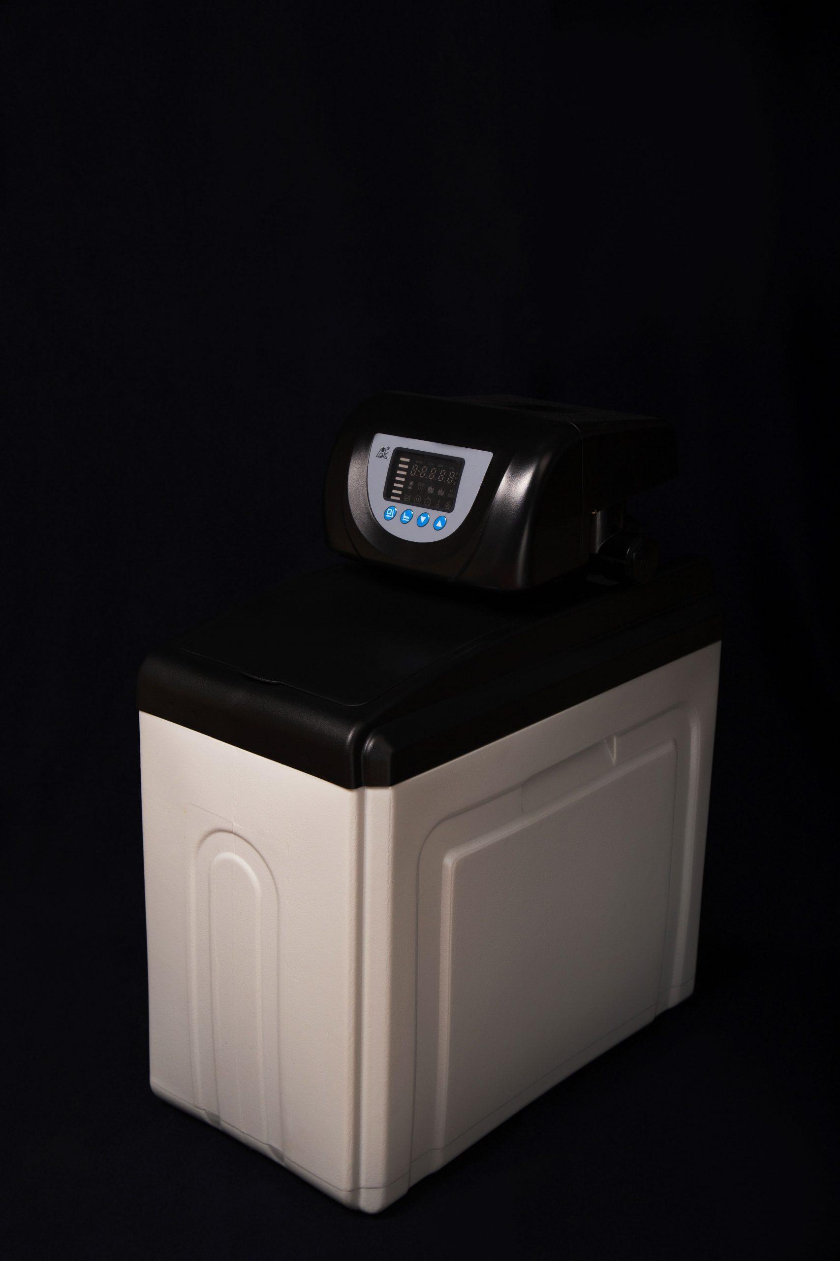 Умягчитель воды c автоматическим управлением FCV-11-10 (T) (500 литр/час)